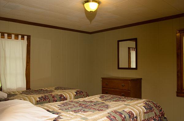 cabin-14-bedroom-3