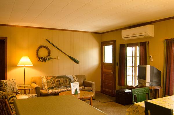 cabin-14-living-room