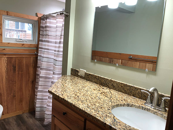 cabin-15-bathroom