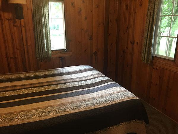 cabin-16-bedroom