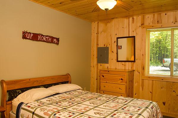 cabin-20-bedroom-1