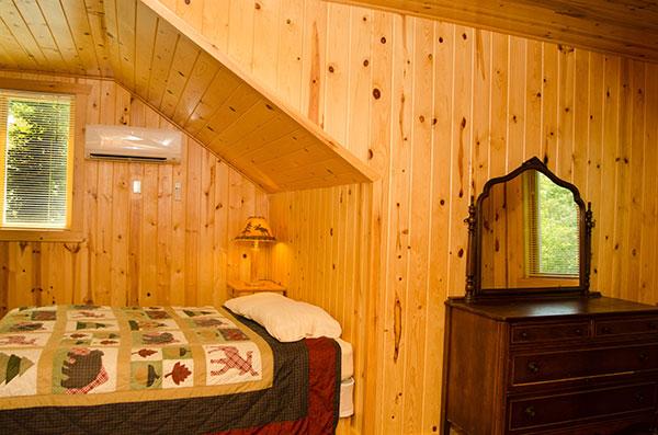 cabin-20-bedroom-3b