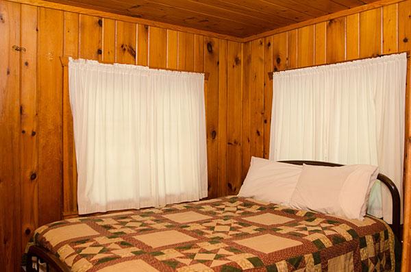 cabin-5-bedroom-2-double-bed