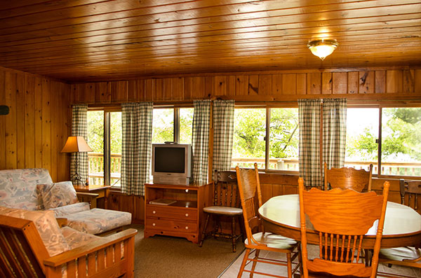 cabin-5-living-room