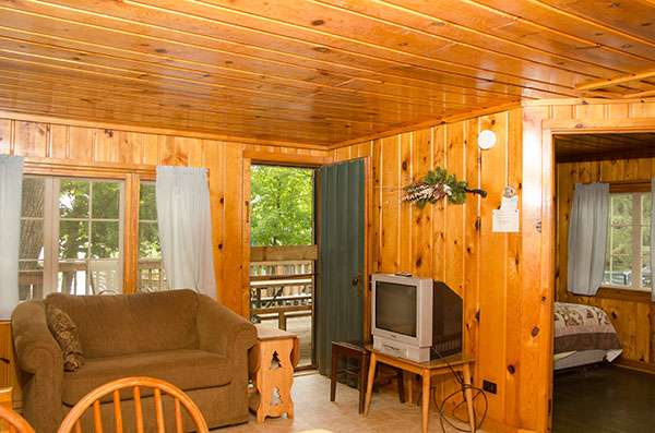cabin-7-living-room