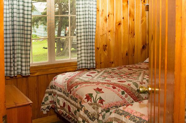 cabin-8-bedroom-2