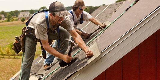 men roofing