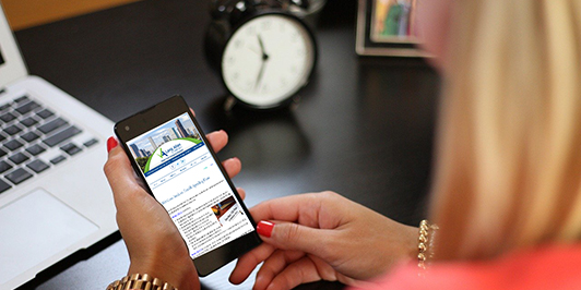 woman phone LA newsletter