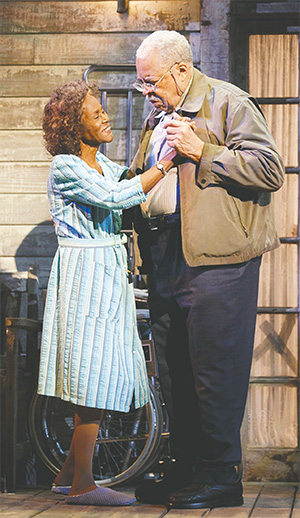"""Cicely Tyson is Fonsia Dorsey and James Earl Jones plays Weller Martin in """"The Gin Game."""" (JOAN MARCUS/TNS)"""