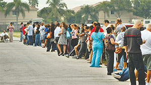 Voters are lined up on Nov. 6, 2012, at precinct 797 at fire station No. 56 in Miami-Dade County during the 2012 General Election.(TIM CHAPMAN/MIAMI HERALD/TNS)
