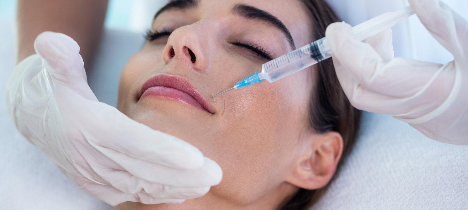 Woman-receiving-botox-injection
