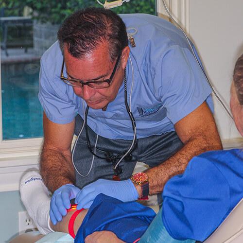 Dr-Randy-sedating-a-patient