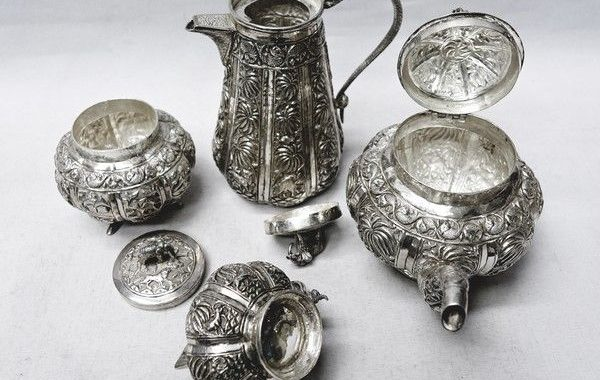 antique-silver-tea-set