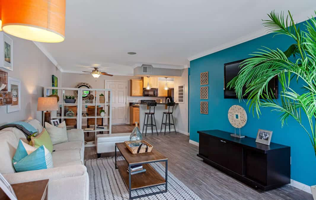 Beachwood Apartments modern and relaxing living area