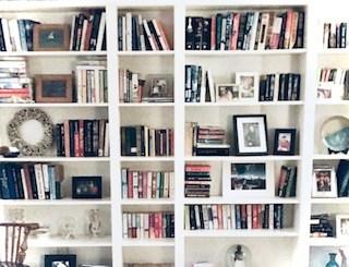 DIY Build In Book Shelves