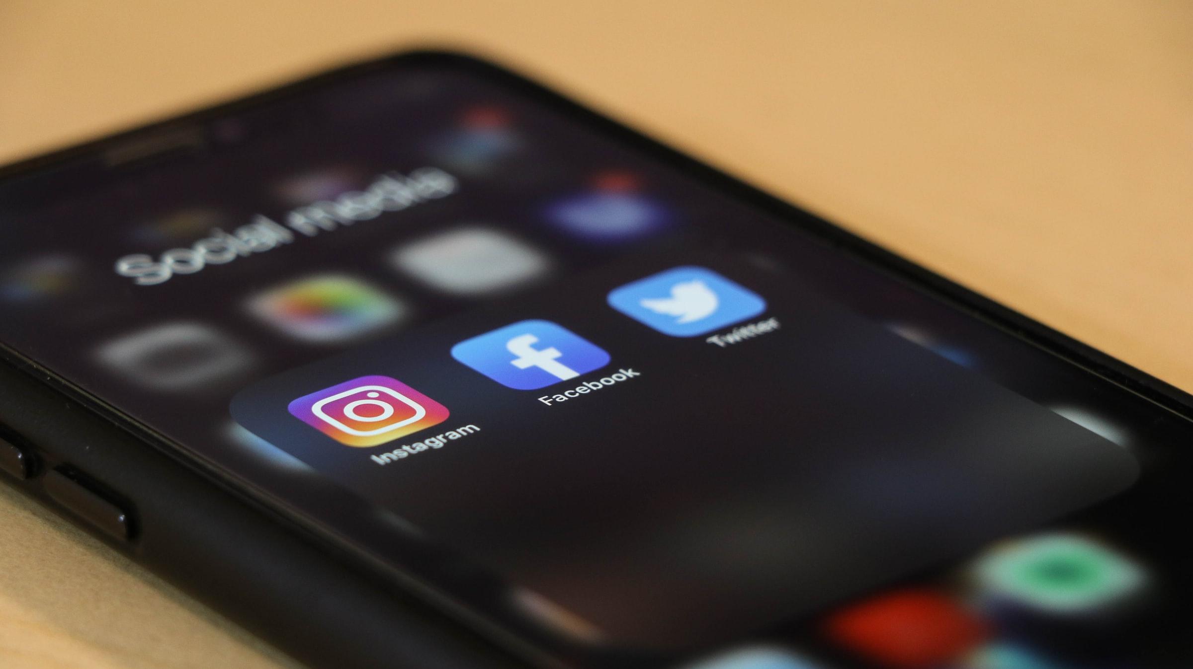 facebook twitter instagram app social media