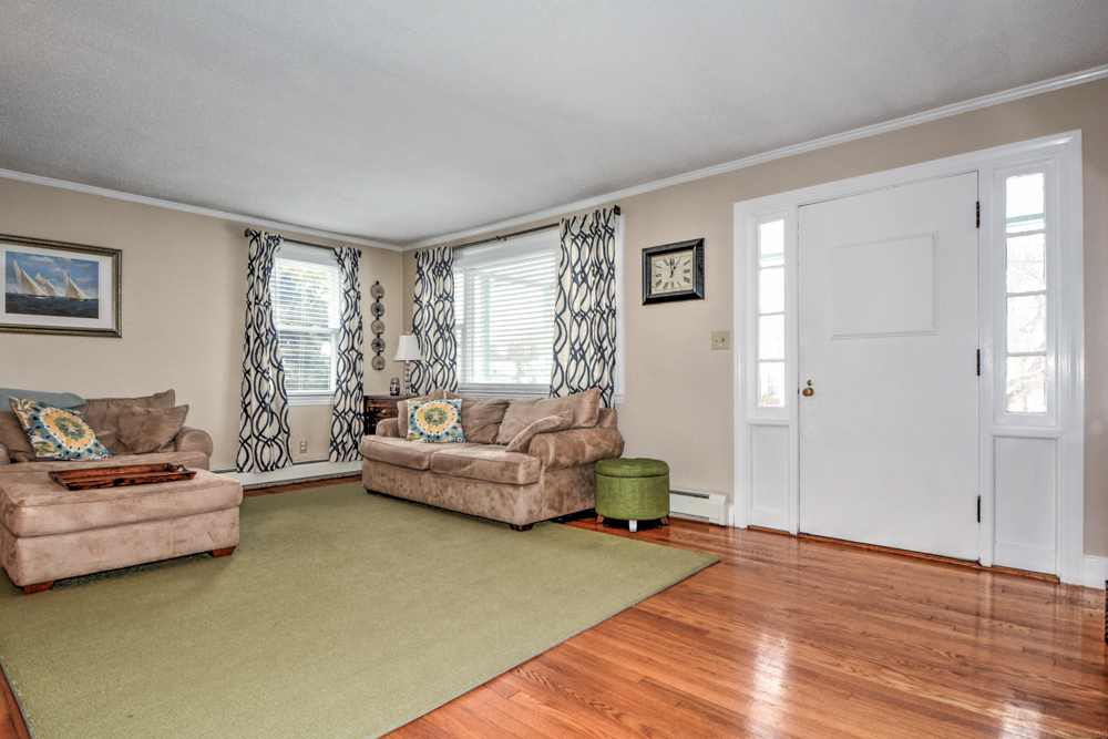 Living Room 272 Massachusetts Ave North Andover, MA
