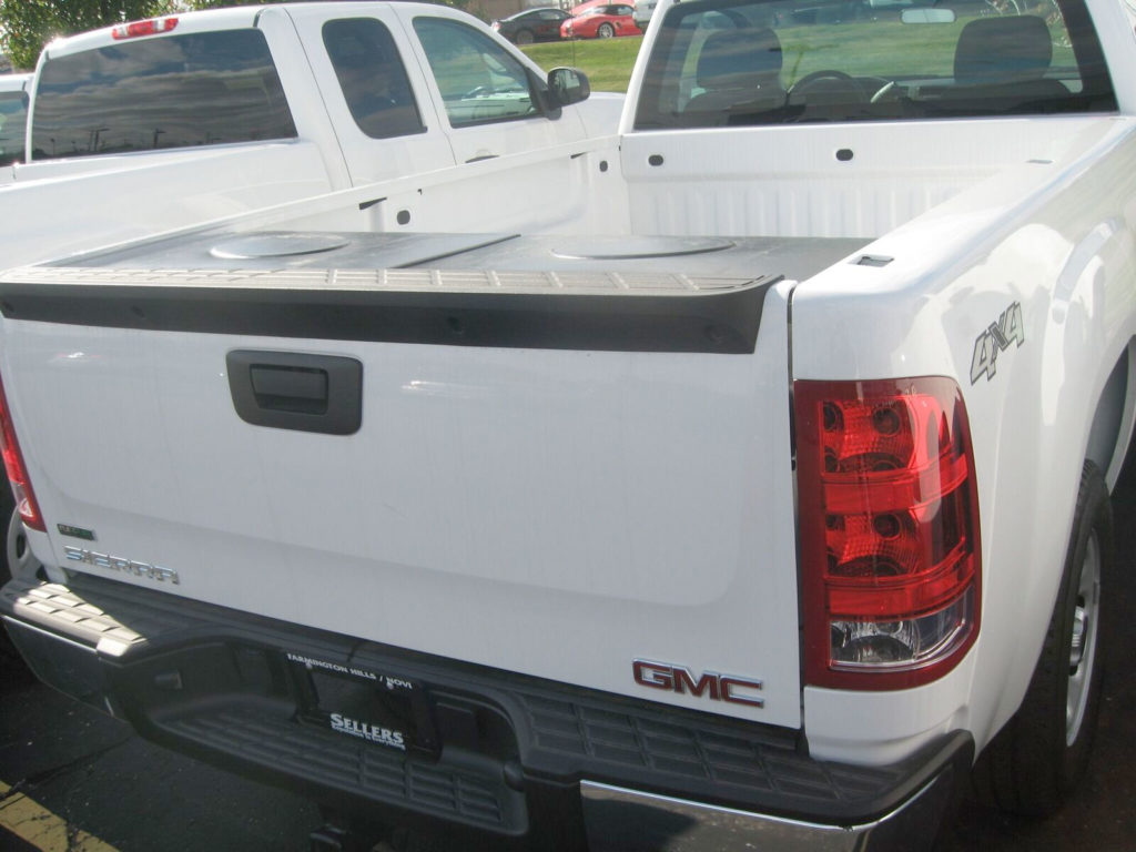GMC truck pickup tuck