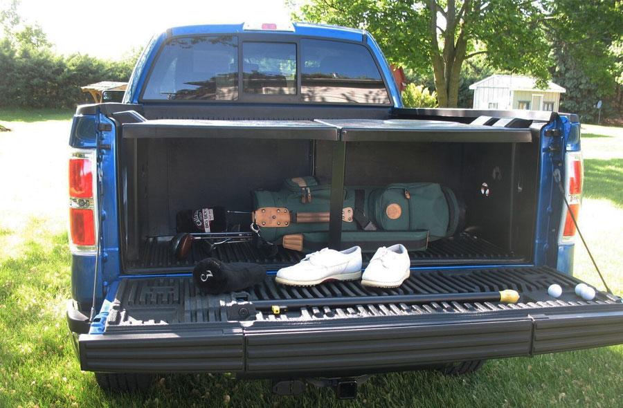 Pickup Tuck in Truck