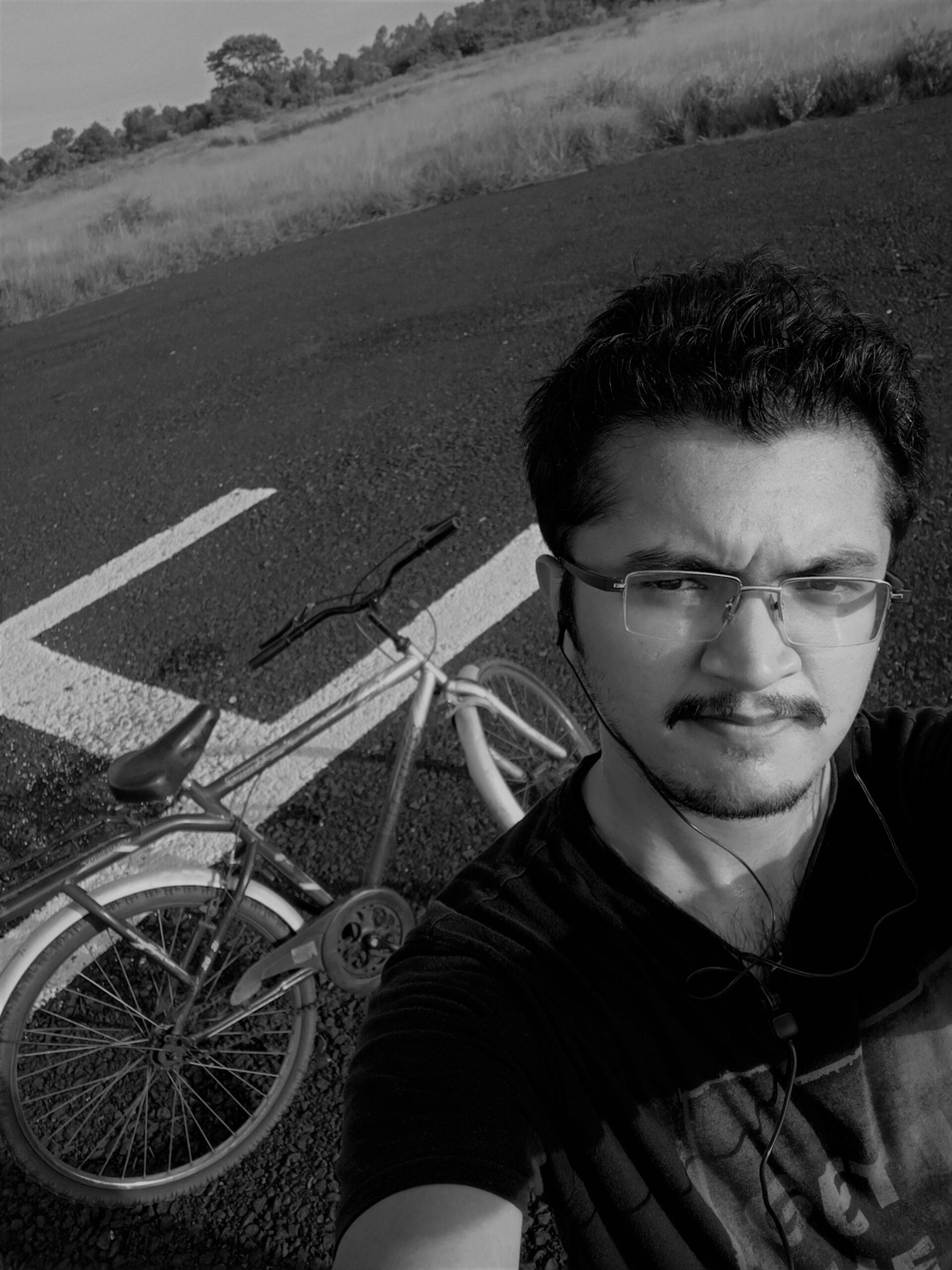 <strong><em>Raghu Varier</em></strong>