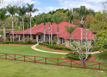 photo of a large equestrian property in deland fl