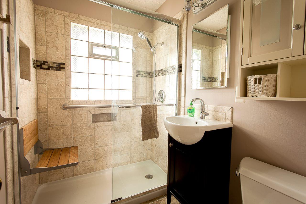 functional small bathroom