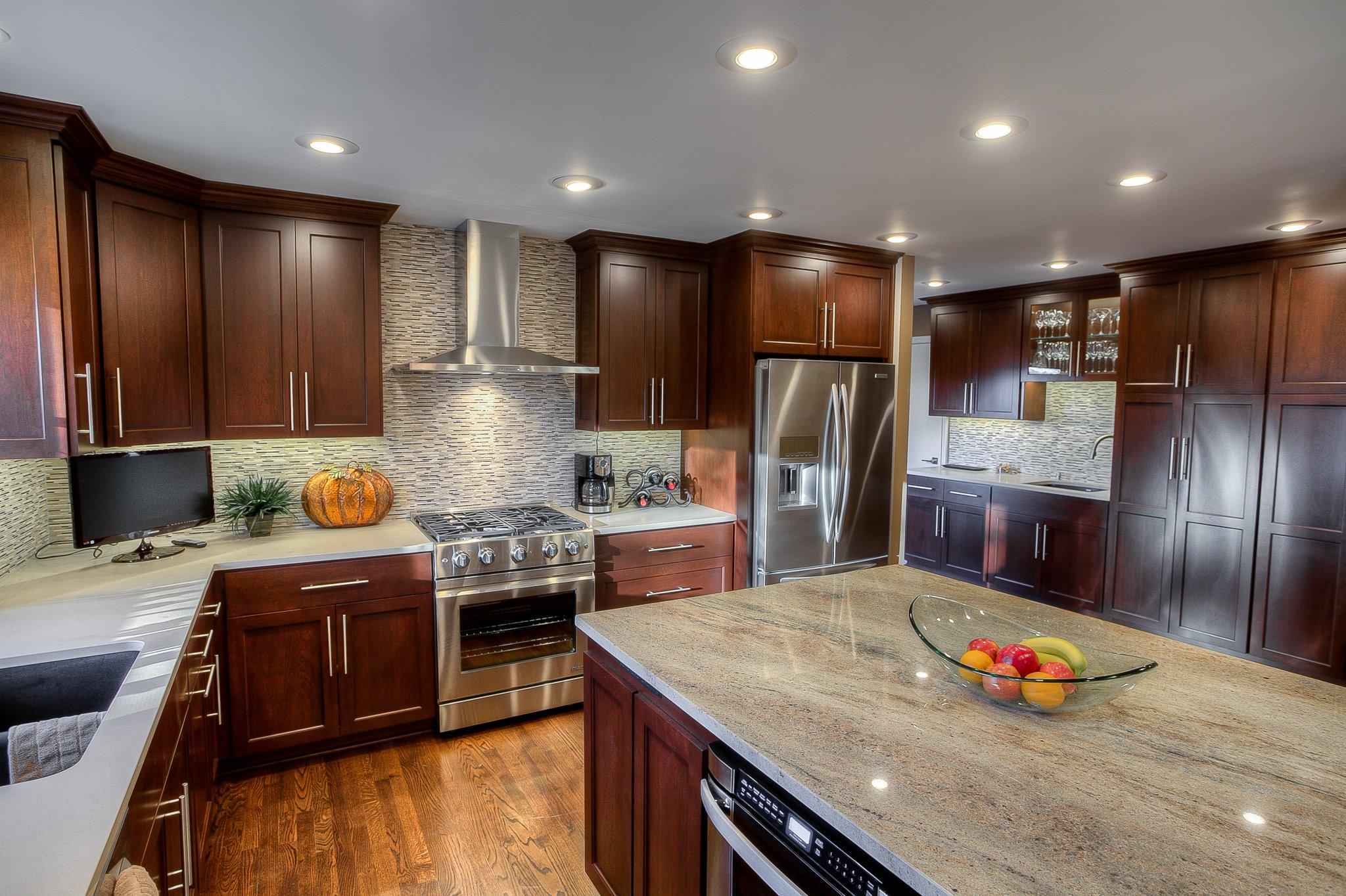 kitchen countertops backsplash