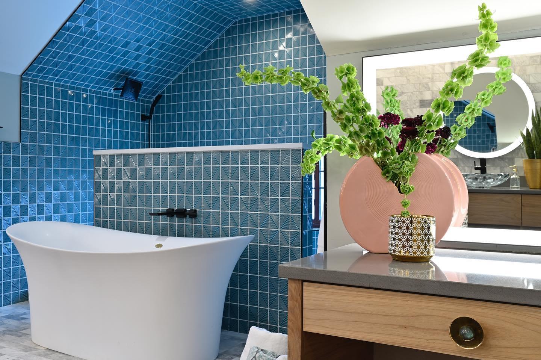 bargain mansion en suite bathroom