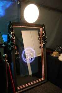 Mirror Me Photo Booth HLSR