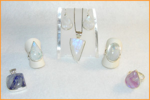 Clearing Chakras with Moonstone Jewelry