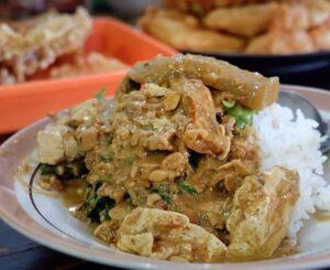 wisata kuliner khas solo Nasi Pecel dan Sambel Tumpang Bu Kis