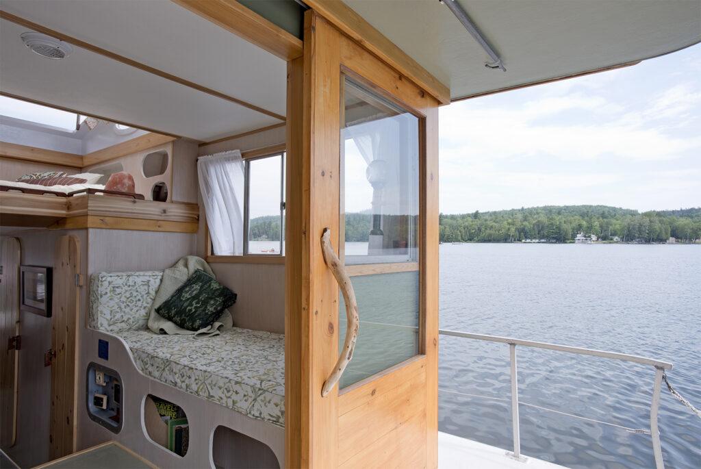 houseboat renovation