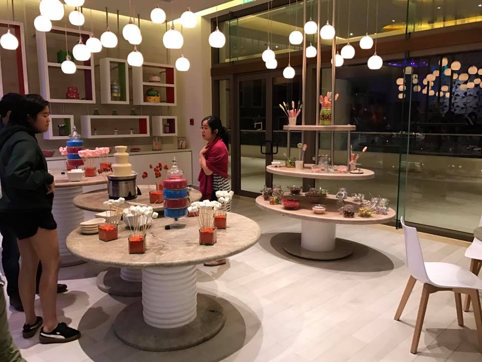 Hyatt Ziva Cancun - Pasteles Candy Shop