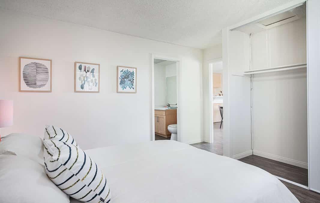white color theme bedroom design