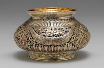 Gorham -Waste bowl, 1886. Silver with gilding, 3¼ by 5-5/16 by 5-5/16 inches. Rhode Island School of Design Museum, 2019.