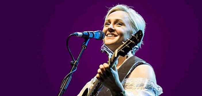 Laura Marling gave me a guitar lesson.