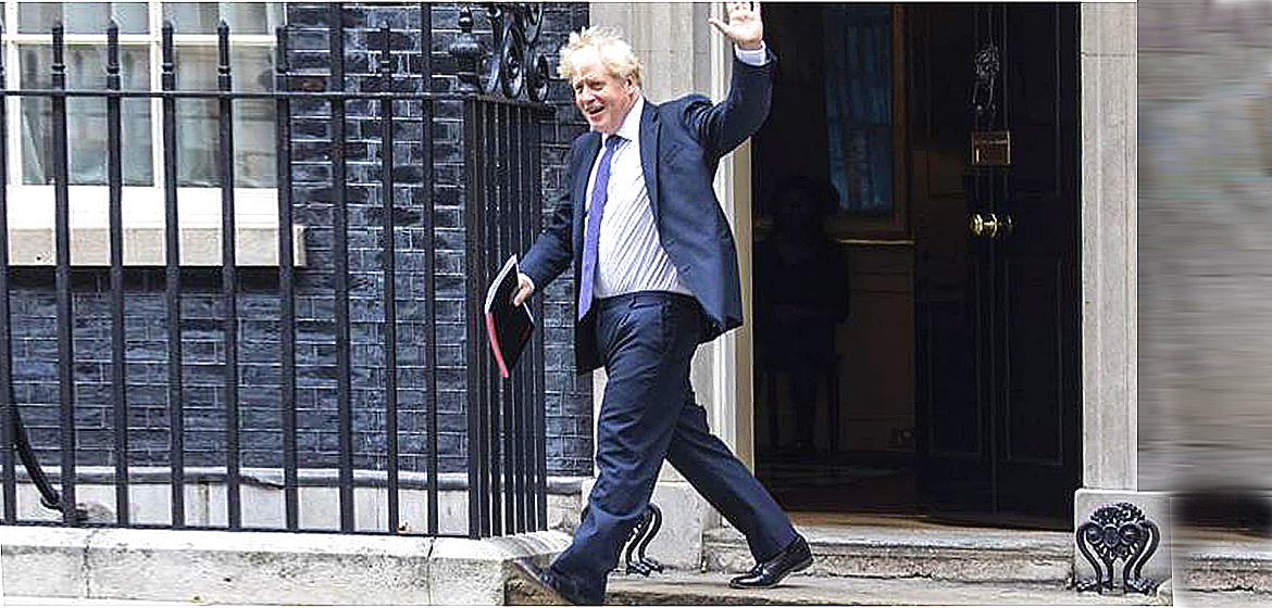 Government quits over Brexit changes.