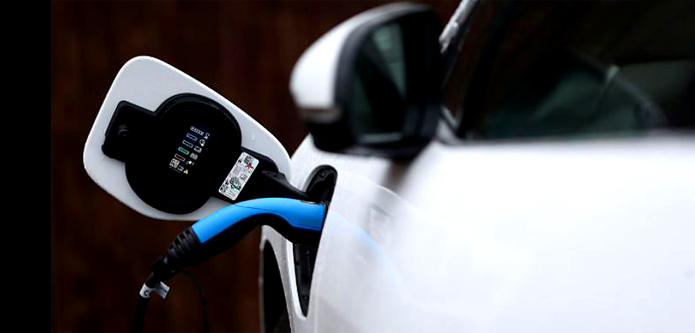 Plug-in hybrid cars more polluting than advertised.