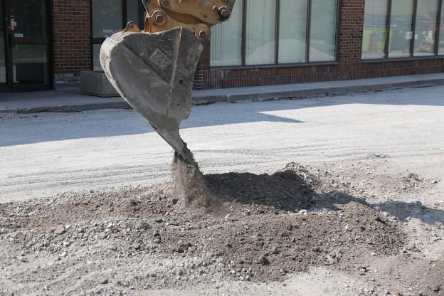 commercial asphalt paving in Toronto - gravel installation & grading