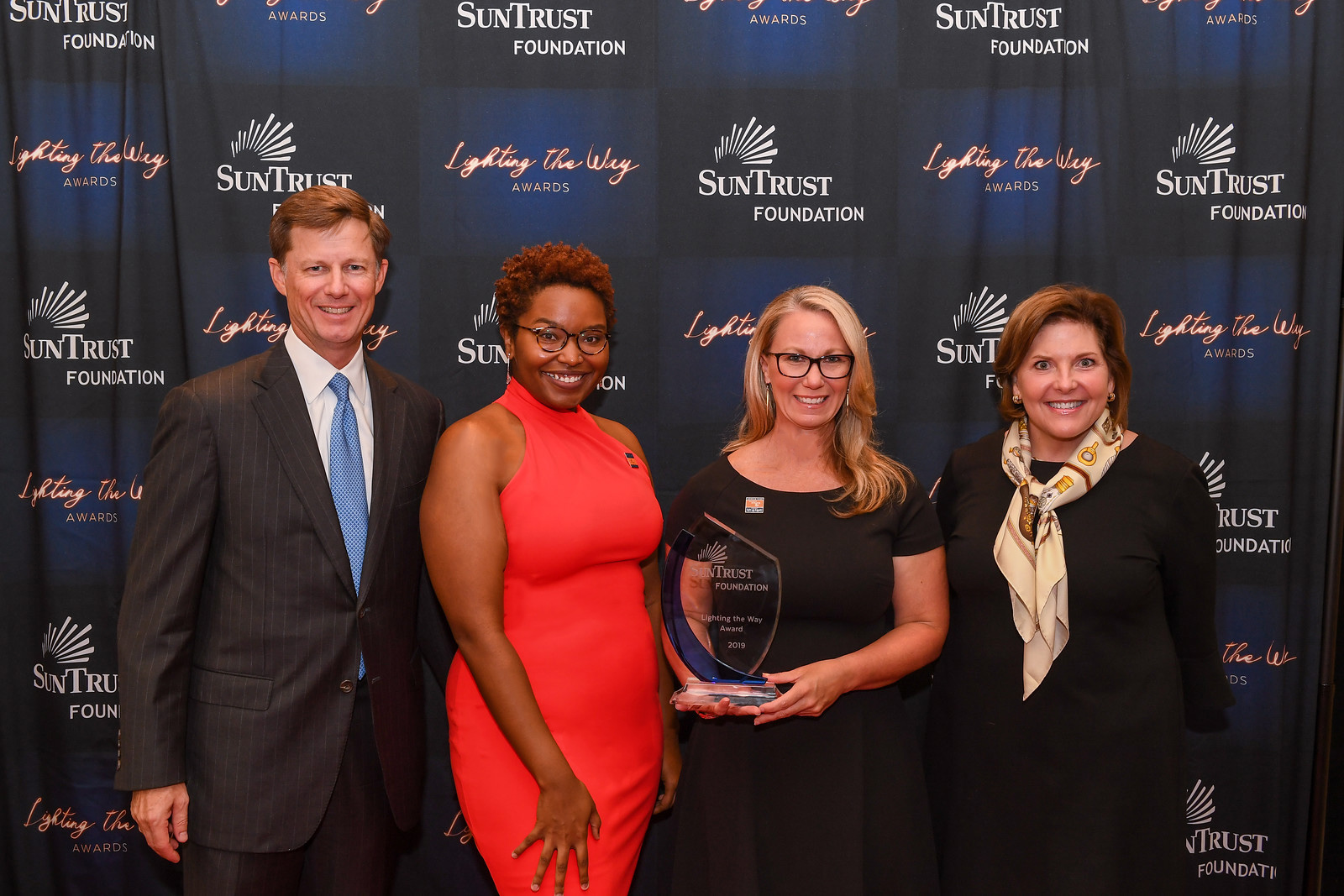 The Women's Resource of Houston Receives SunTrust Foundation's 2019 Lighting the Way Award and $75,000 Grant