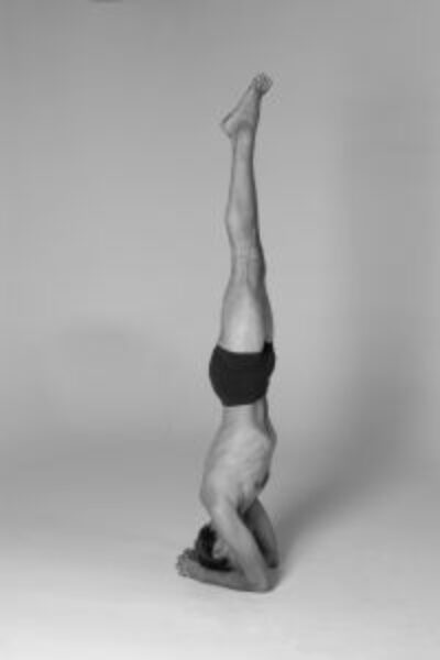 443124_headstand