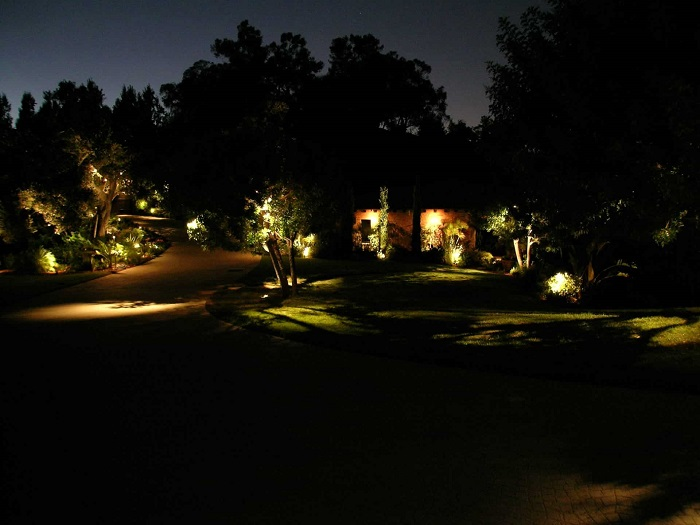 beverly-park-landscape-lighting-07