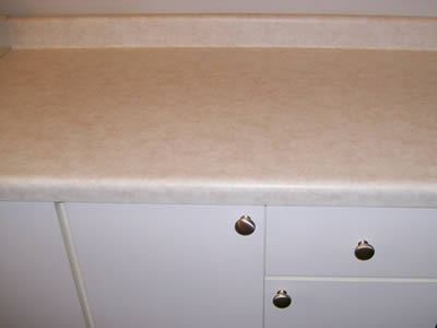 rolled_edge_backsplash