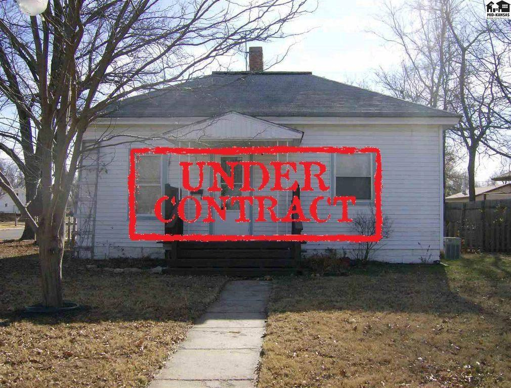 W 19TH AVE, Hutchinson, KS 67505