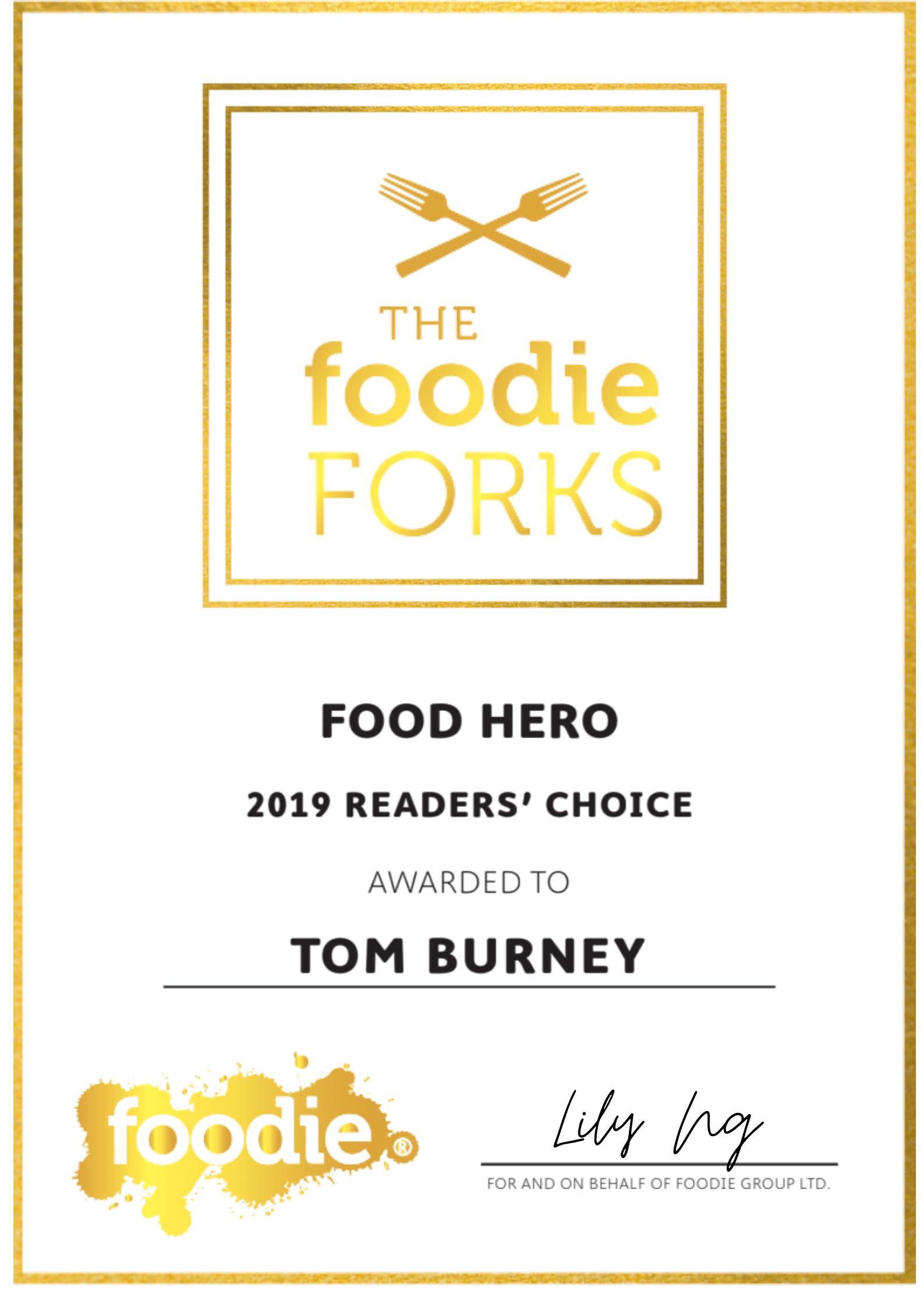 'hong kong foodie hero' award to Chef Tom Burney of hong kong personal chef