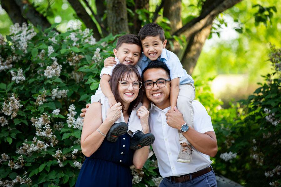 Family portrait in st Charles Geneva Illinois