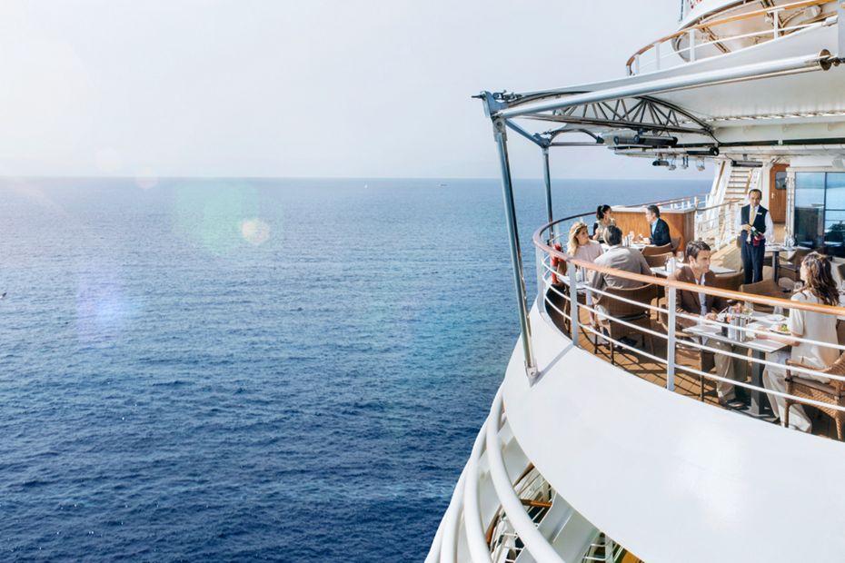 silversea-luxury-cruises-silver-muse-restaurant-la-terrazza-lunch