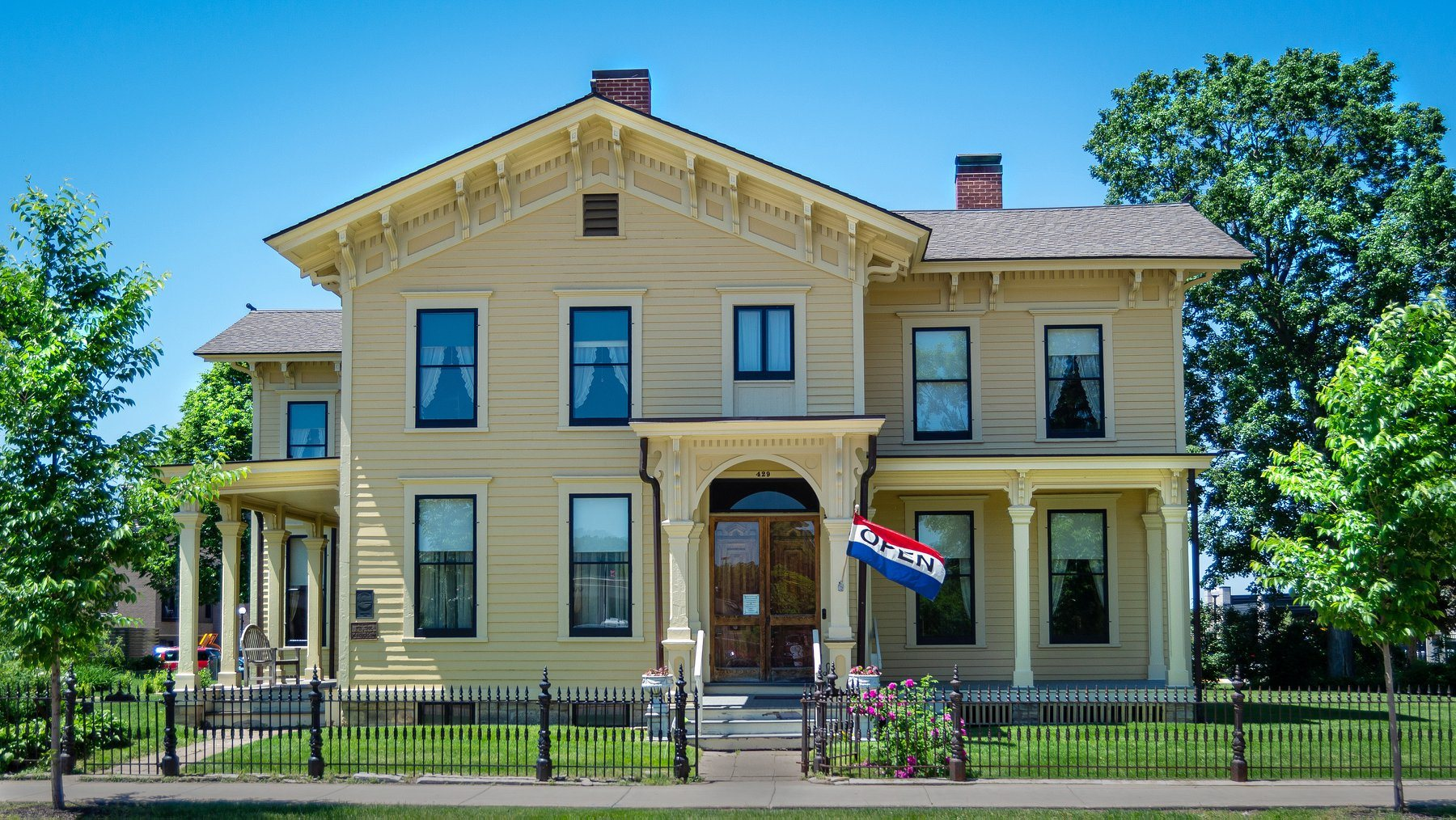 Historic Buildings Hixon House