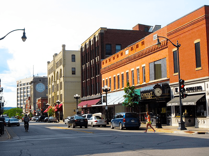 Five Reasons to Make Downtown La Crosse Your Summer Road Trip Destination!