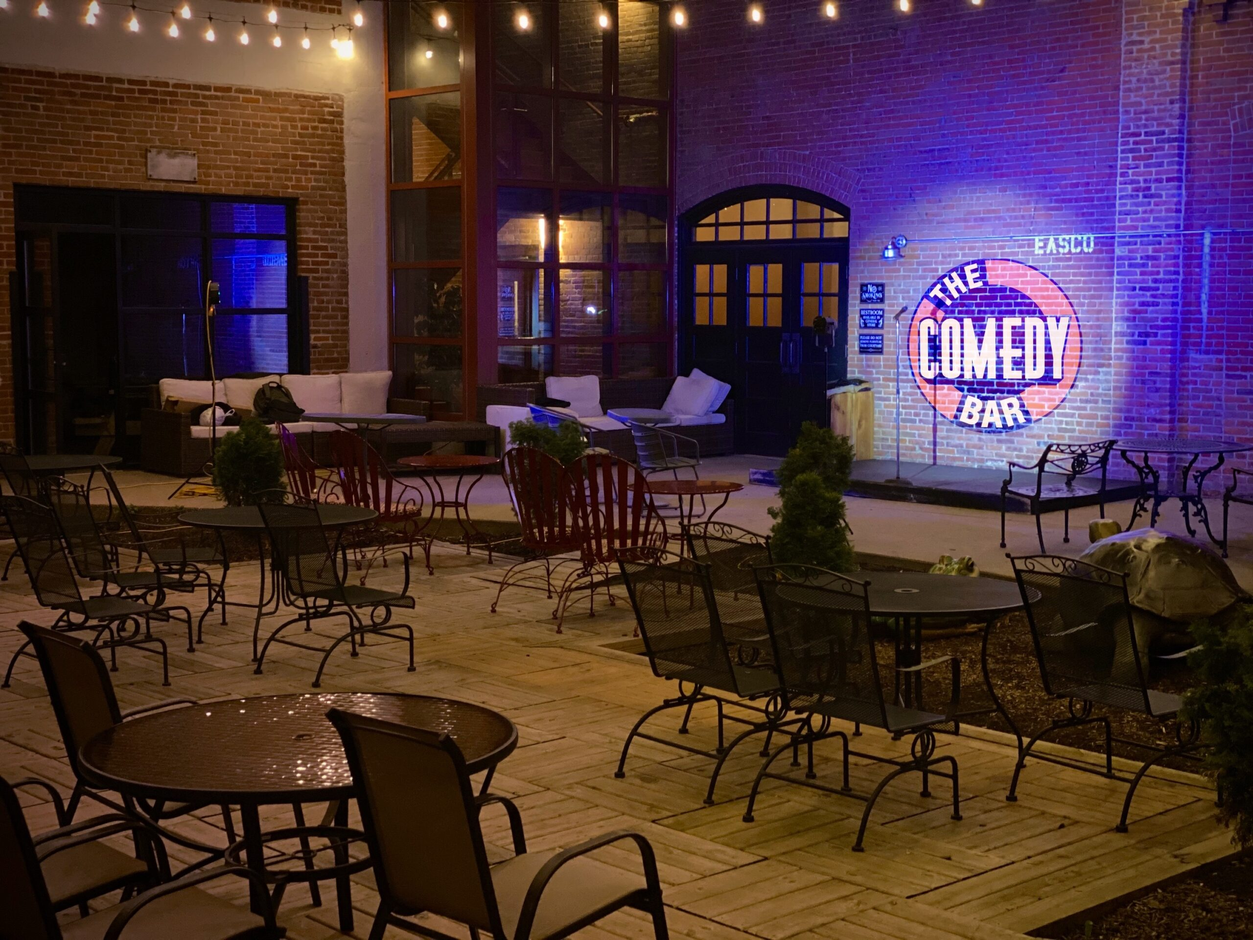 he Comedy Bar (Dubuque, IA)